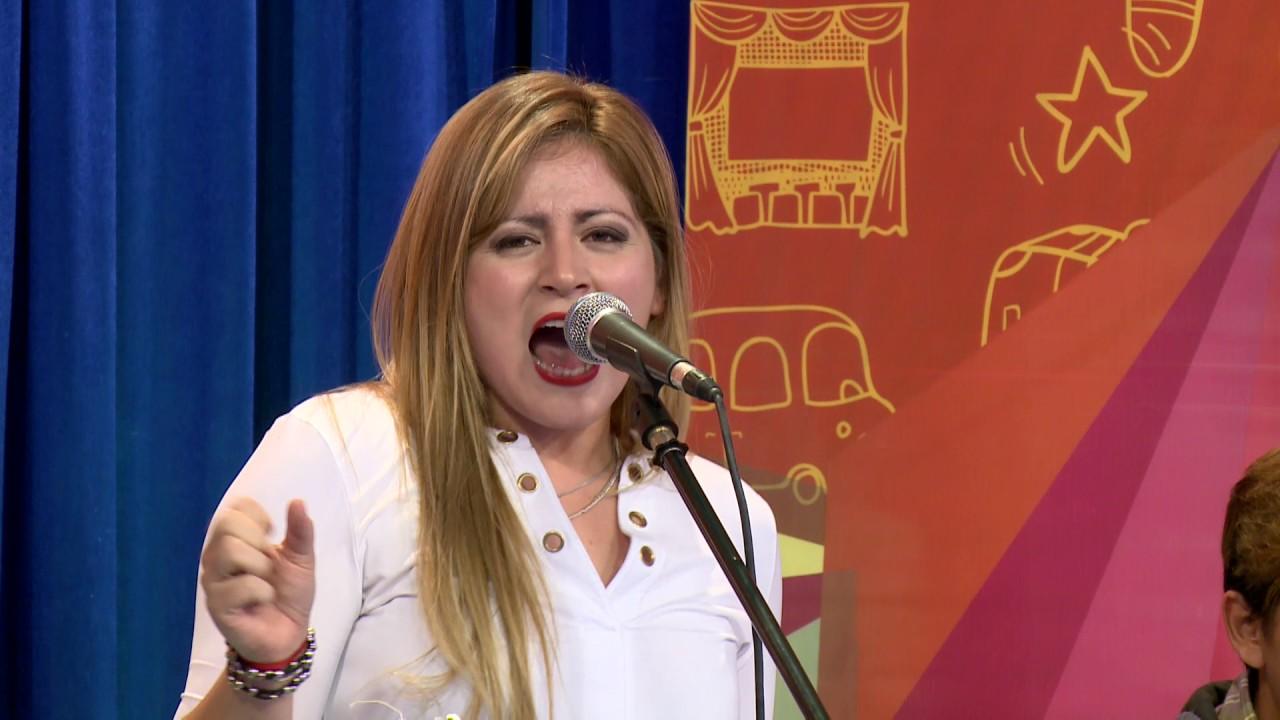 Contratar a Marcela Ceballos