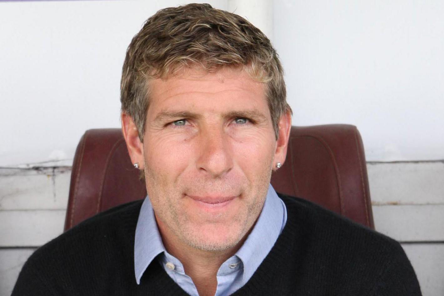 Contratar a Martin Palermo