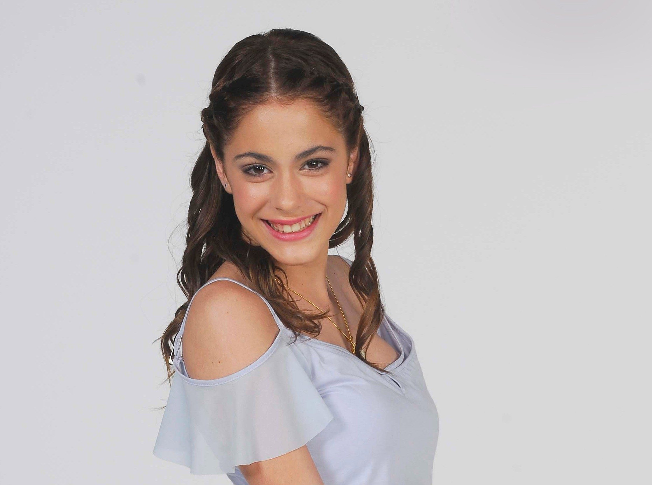 Contratar a Tini Stoessel