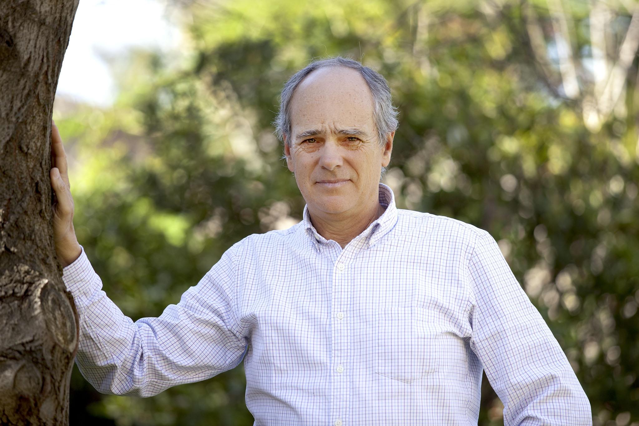 Contratar a Pedro Algorta