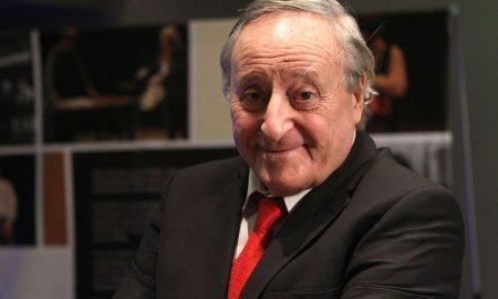 Contratar a Roberto Carnaghi