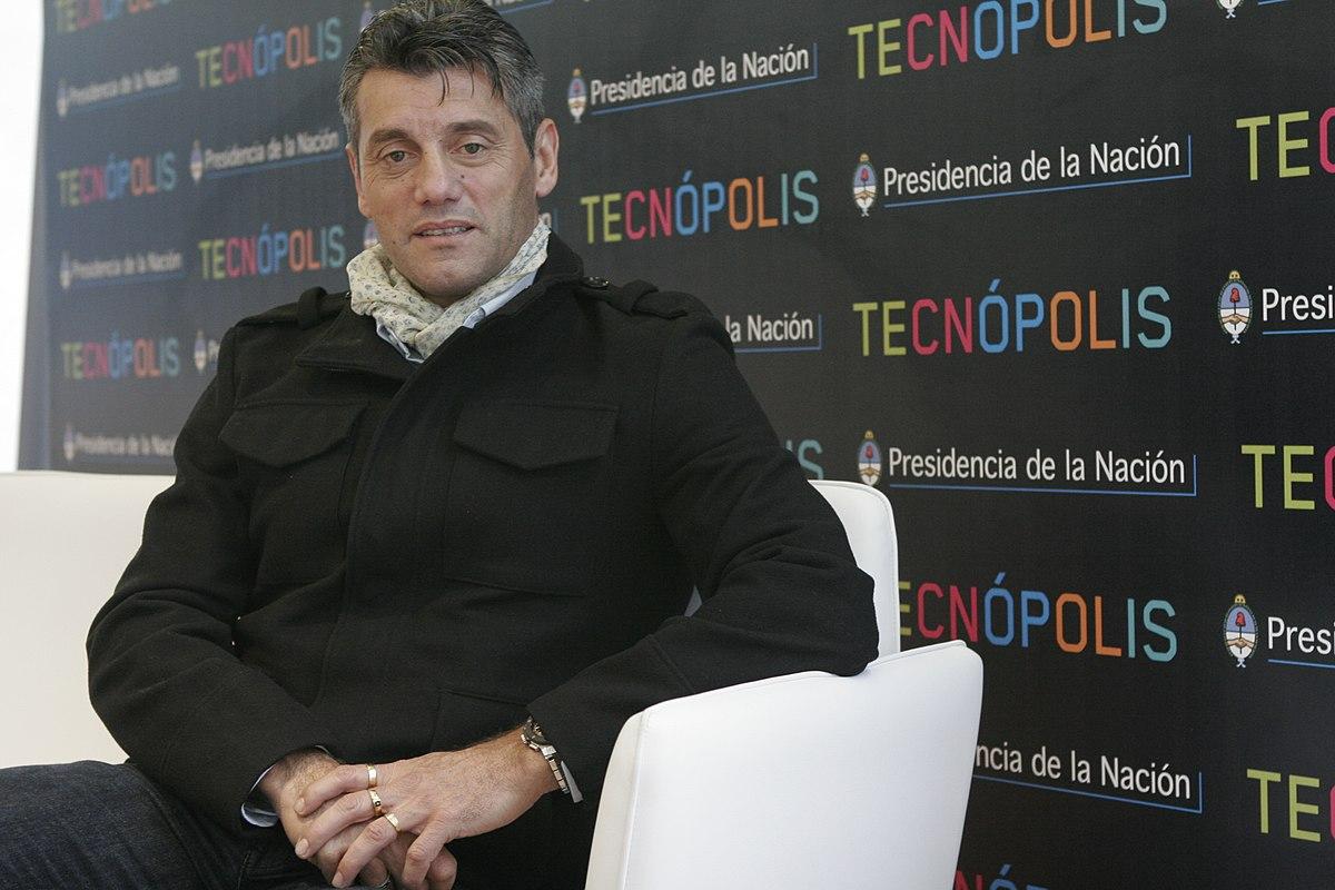 Contratar a Sergio Goycochea
