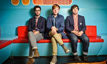 Contratar a Two Door Cinema Club
